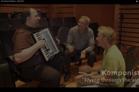 Screenshot des neuen Trailers - bei Oliver Onions im Studio